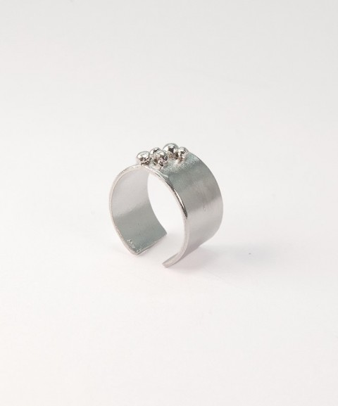 Ασημένιο δαχτυλίδι με γράνες
